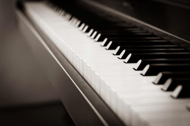 Sfondo di pianoforte con effetto sfocato