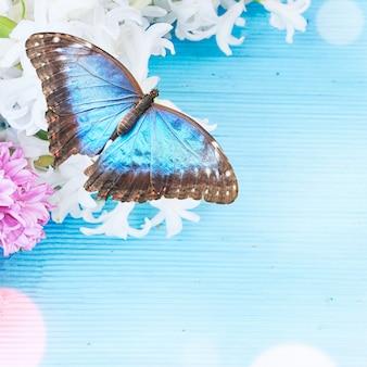Sfondo di primavera con fiori