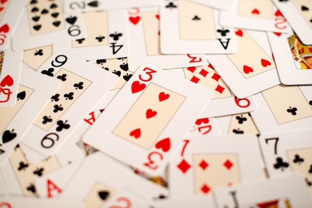 Sfondo di una diffusione casuale di carte da gioco