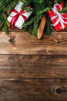 Sfondo regalo di natale e capodanno con abete