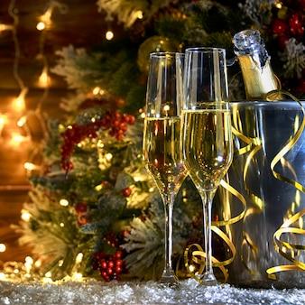 Sfondo rustico di natale con champagne