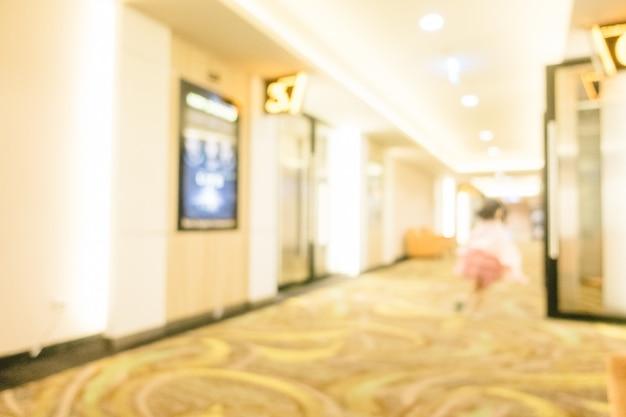 Sfuocatura astratta della zona e della lobby del film del biglietto del teatro