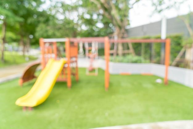 Sfuocatura astratta parco giochi per bambini