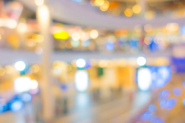 Sfuocatura astratta persone nel centro commerciale.