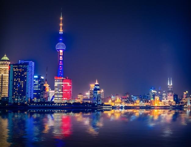 Shanghai di notte, in cina