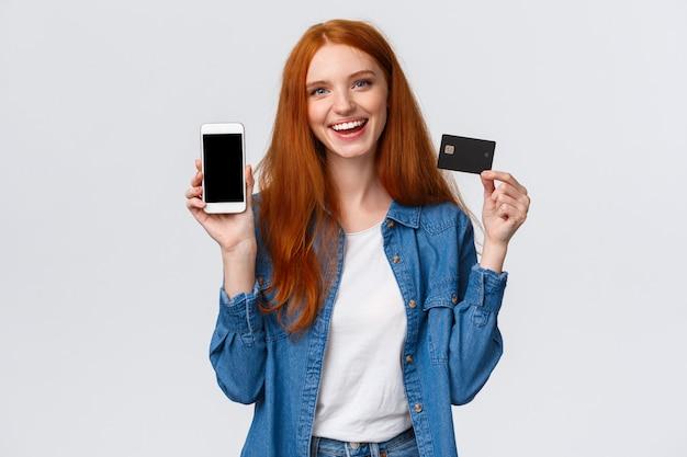 Shopping, applicazione e concetto mobile. blogger femminile carismatico amichevole del ritratto di vita
