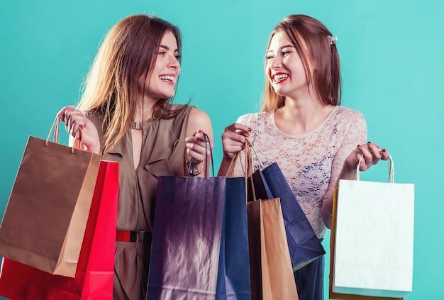 Shopping ragazze con borse