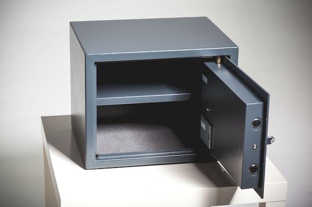Sicurezza metallo sicuro con spazio vuoto all'interno