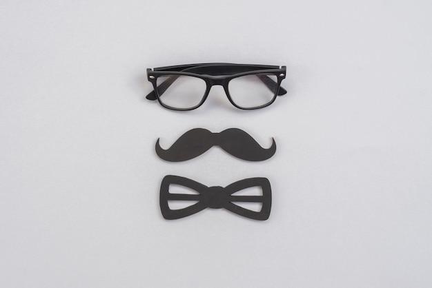 Silhouette maschile di oggetti vintage