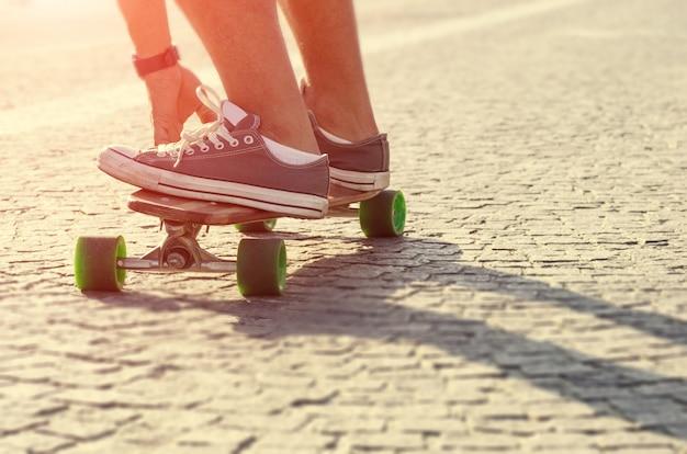 Skateboarder in azione