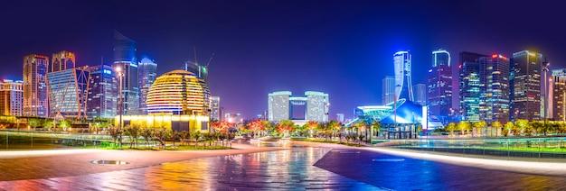 Skyline del paesaggio architettonico urbano a hangzhou