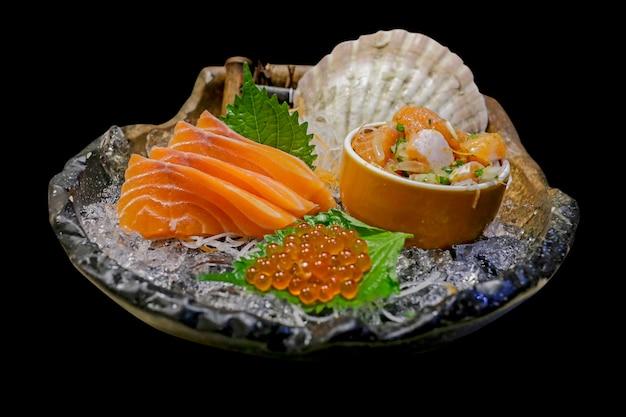 Slice sushi e insalata sushi piccante