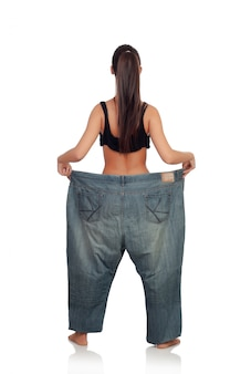 Slim donna con enormi pantaloni