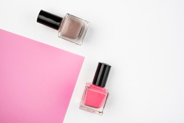 Smalto per unghie con copia spazio