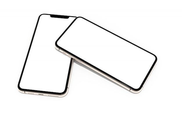 Smartphone con schermo bianco vuoto per il web