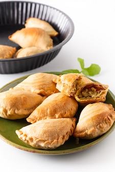 Soffio di curry di pollo fatto in casa concetto di cibo di origine sud-est asiatico