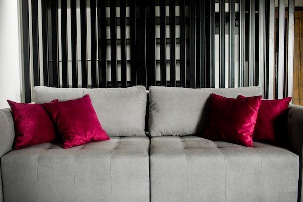 Soggiorno con divano. interni di casa in stile moderno.