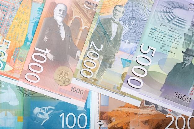 Soldi serbi - dinaro uno sfondo di affari