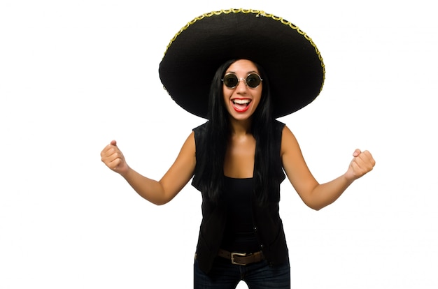 Sombrero da portare della giovane donna messicana isolato su bianco