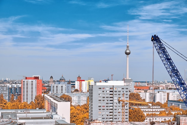 Sopra la vista di berlino orientale in autunno