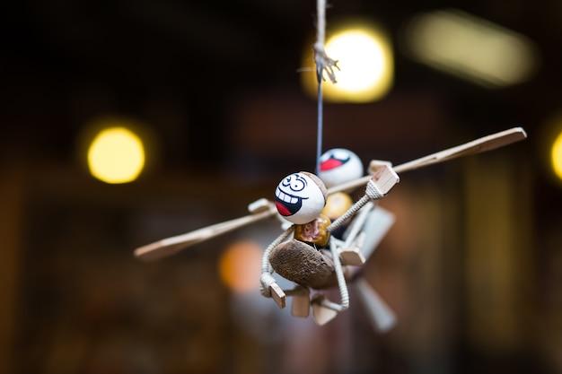 Souvenir di pupazzi, bambole di legno.