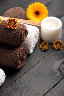 Spa natura morta con asciugamani