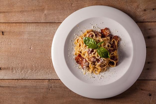 Spaghetti alla carbonara secchi