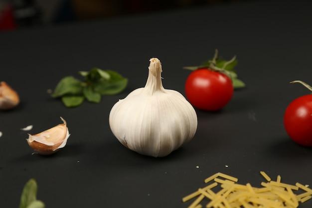 Spaghetti alla menta e pomodoro aglio