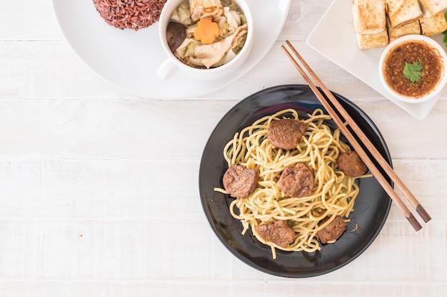 Spaghetti alla spaghetti - alimenti vegani