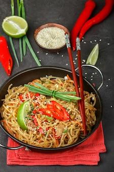 Spaghetti di vetro piccanti