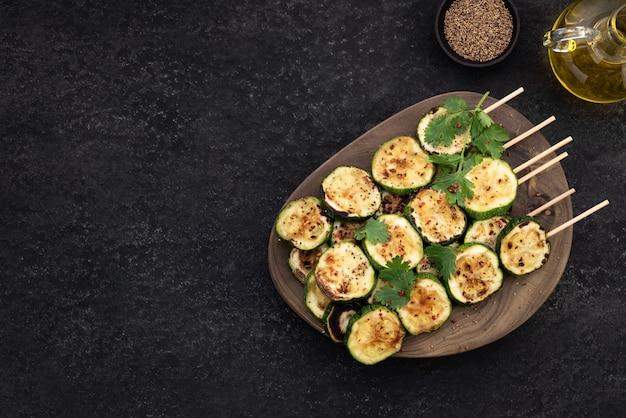 Spazio bbq grill zucchine cibo sfondo