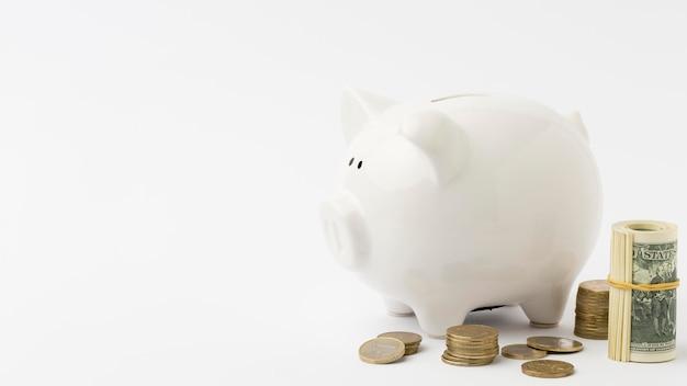 Spazio della copia del deposito di denaro del porcellino salvadanaio