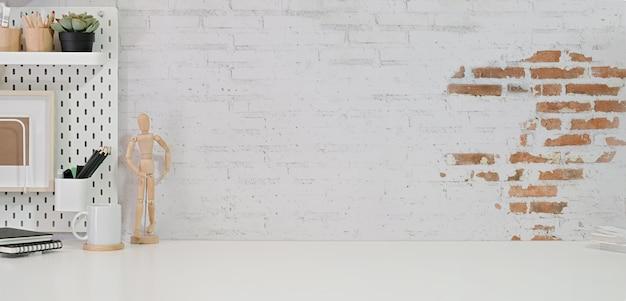 Spazio di lavoro elegante minimalista e spazio per copiare