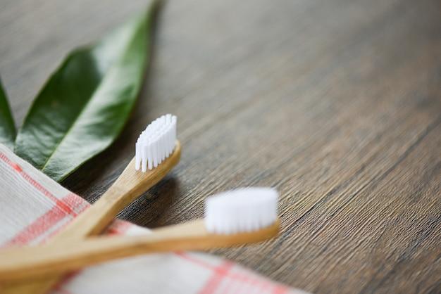 Spazzolino di bambù