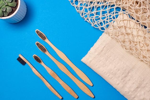 Spazzolino in bambù di varie dimensioni