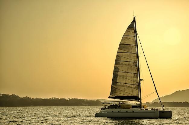 Spedire yacht