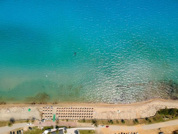Spiaggia a nea roda a chalkidiki, in grecia