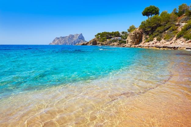 Spiaggia di cala pinets in benissa alicante spagna