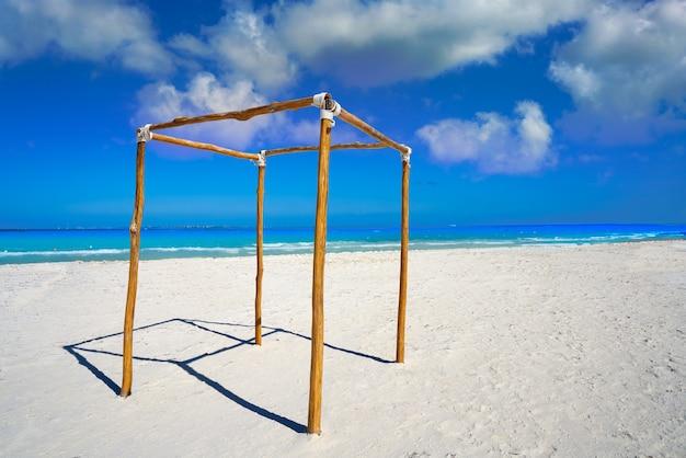 Spiaggia di cancun playa langostas in messico