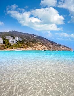 Spiaggia di ibiza cala llonga a santa eulalia