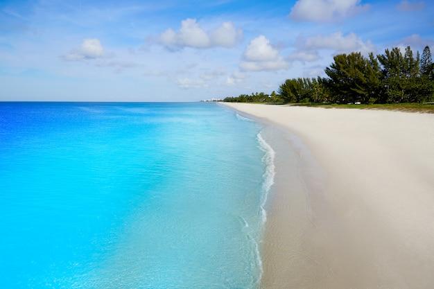 Spiaggia di napoli nel giorno soleggiato florida stati uniti