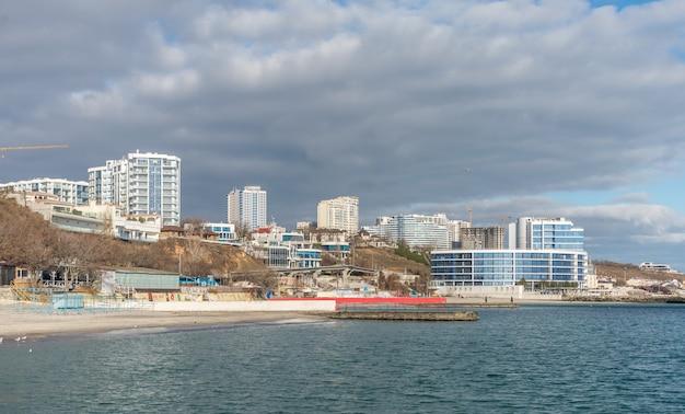 Spiaggia di odessa in inverno, ucraina