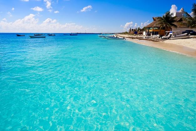 Spiaggia di puerto morelos in riviera maya
