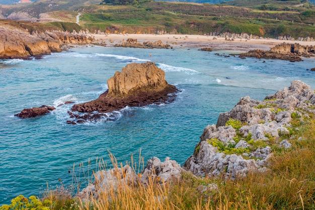Spiaggia di toro, llanes, asturie, spagna