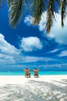 Spiaggia e bellissimo mare tropicale.