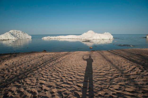 Spiaggia lungo il lago winnipeg a gimli, manitoba, canada