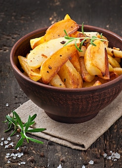 Spicchi di patate fritte