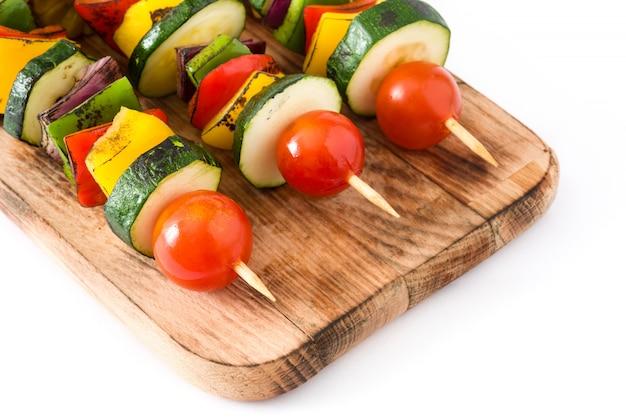 Spiedini di verdure isolati