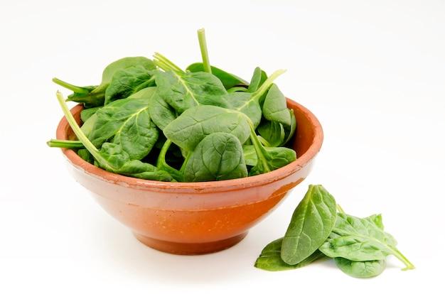 Spinaci verdi freschi