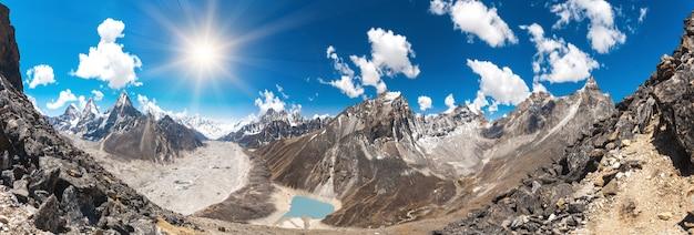 Splendido paesaggio montano
